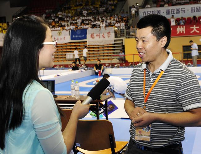 比赛分光电组,电磁组和摄像头组,来自华东地区(上海,江苏,江西)57所